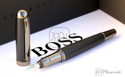 "Pluma estilográfica Hugo Boss ""Advance Grained"""